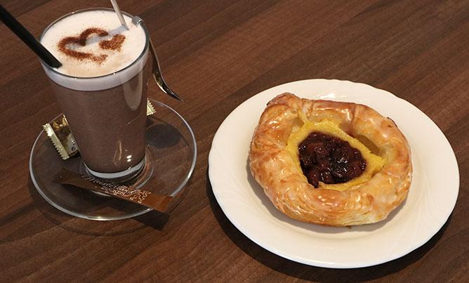 Café Bechhofen, Kaffee Und Gebäck