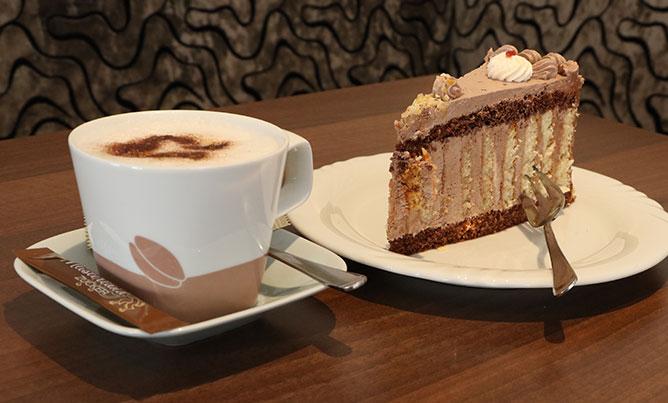 Café Bechhofen, Kaffee Und Torte